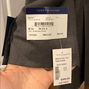 Tommy Hilfiger 36R suit NWT